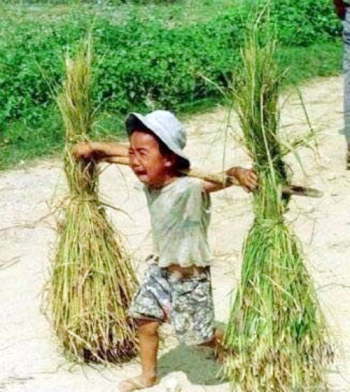 20120907222351_roi_nuoc_mat_voi_hinh_anh_tre_em_lao